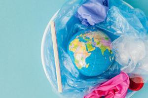 Plástico biodegradável: o que é e quais são as vantagens?
